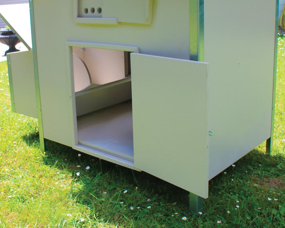 Poulailler andalousie la ferme de beaumont poulailler abri - Ouverture automatique porte de poulailler ...