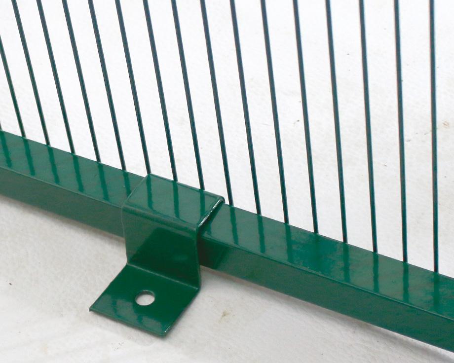 Clips d'embase de sol pour panneaux